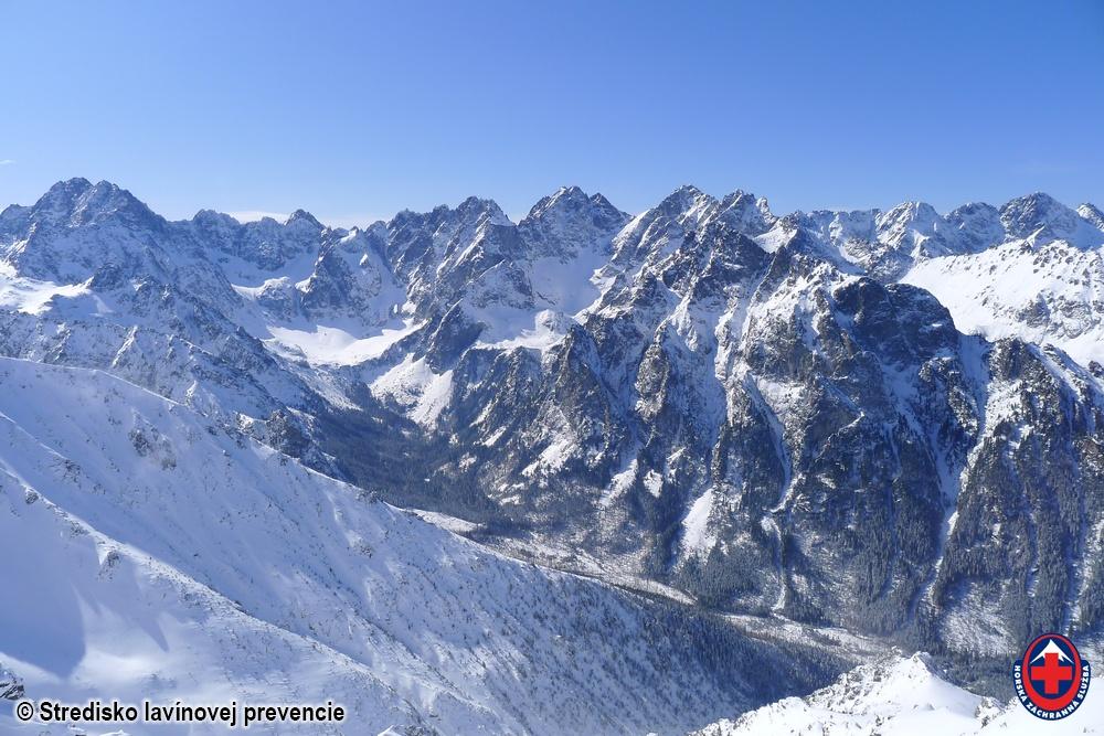 2020.03.25 Vysoké Tatry pohľad na sever do Bielovodskej dolinu