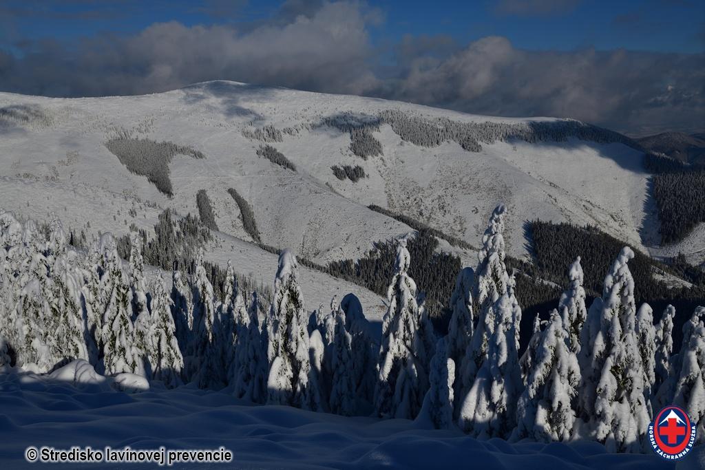 2021-01-09 Nízke_Tatry pohľad na Rovnú hoľu