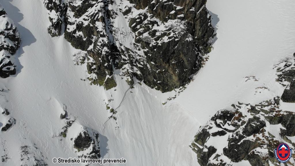 2021-03-15 Vysoké Tartry, odtrh lavíny zo 14.03.2021